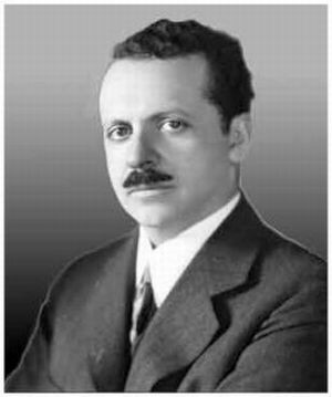 essay on edward bernays This essay examines bernay's influence on society edward bernay's impact and influence on society is truly astonishing from an overarching context, bernays is recognized as implementing freudian psychological theories as a means of manipulating mass culture.